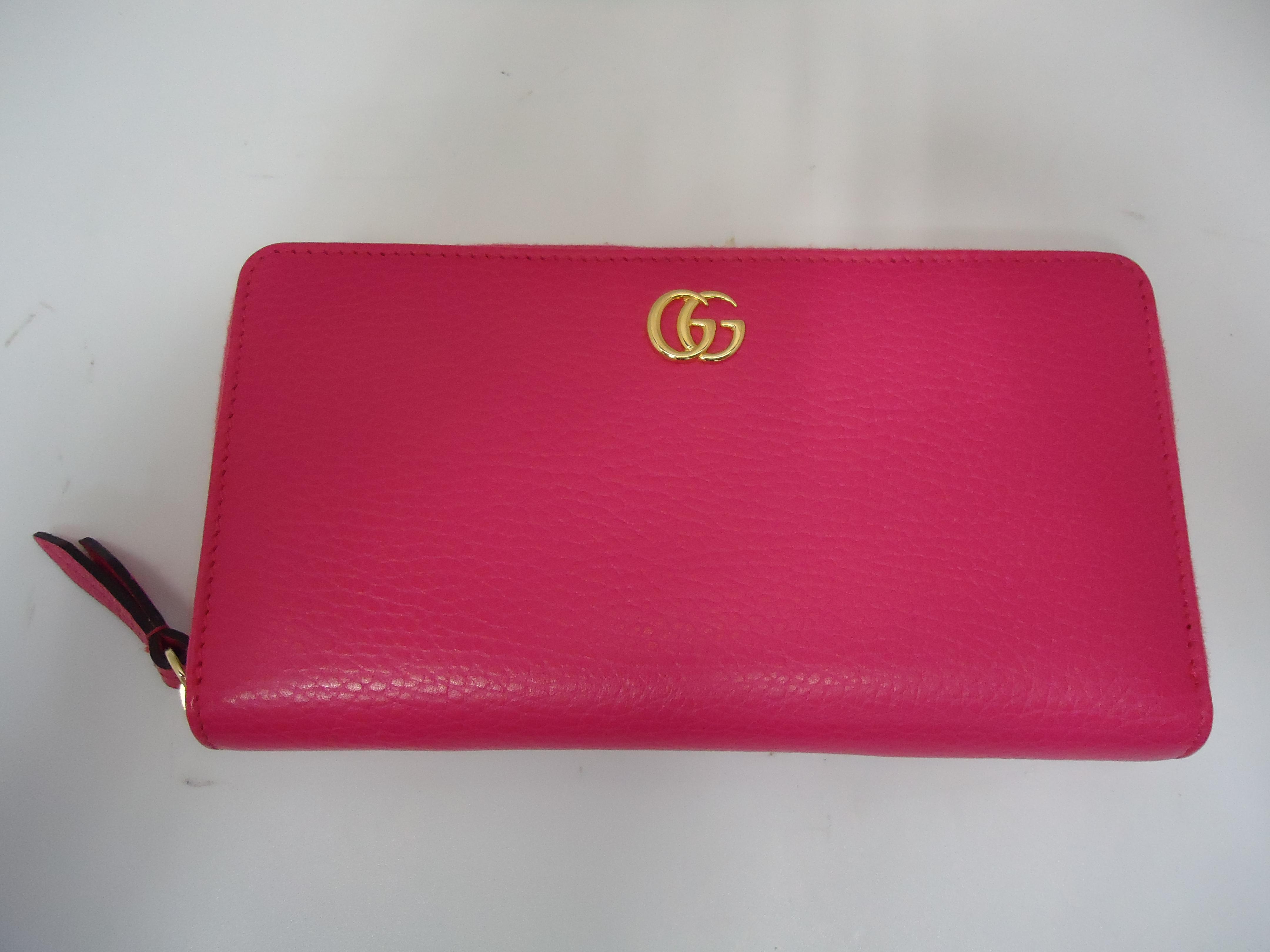 dad34be6dc99 店頭買取にてグッチより発売されている 【GGマーモント長財布 ピンク】456117のABランクをお買い取りしました。
